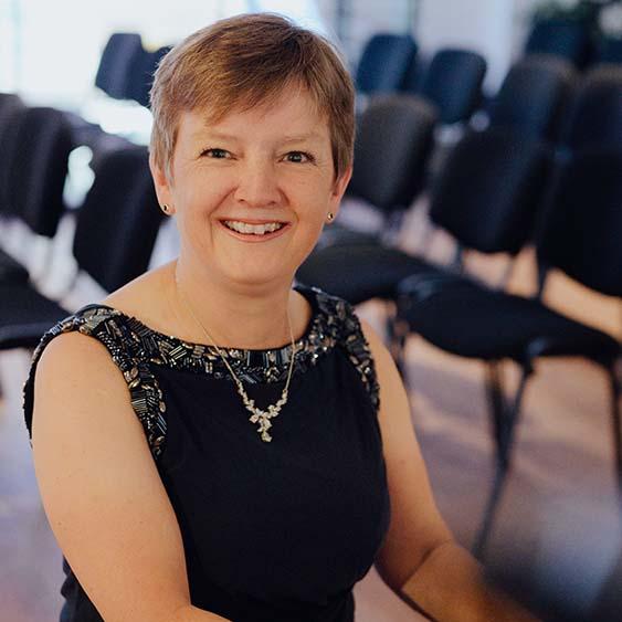 Bettina Pfeiffer, Klavier