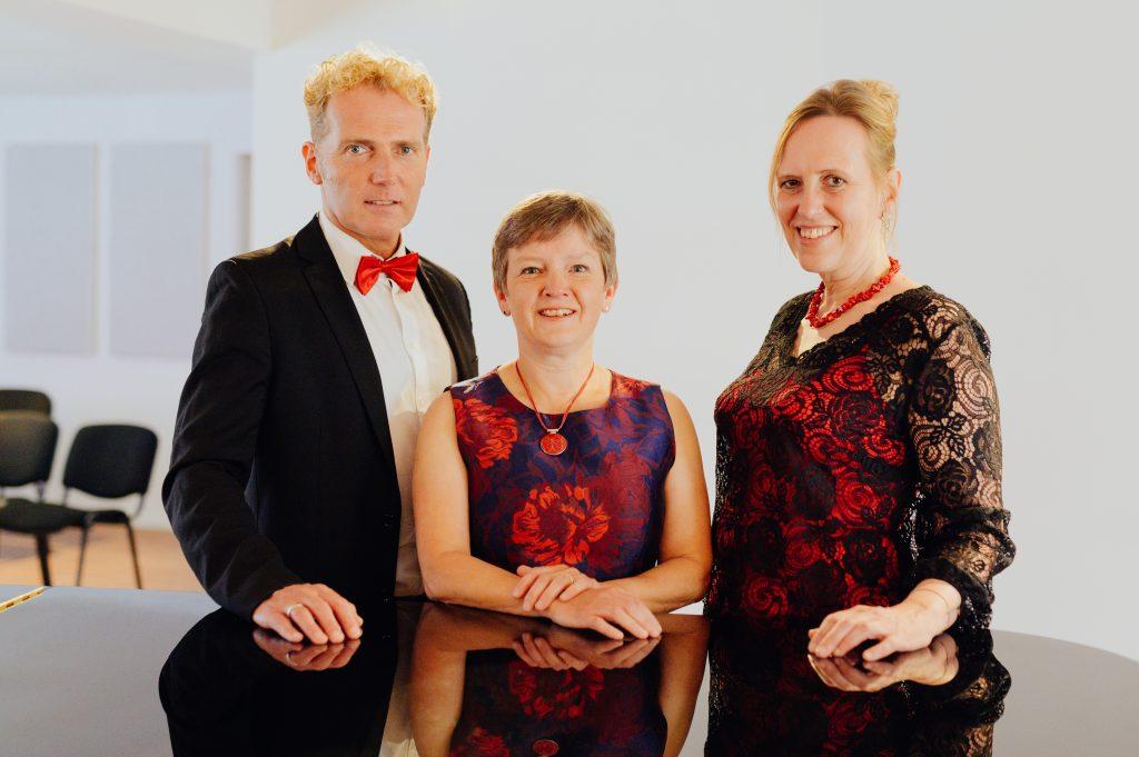 Arne Gruetzmacher (ob), Bettina Pfeiffer (p), </br>Annette Hermeling (fl)