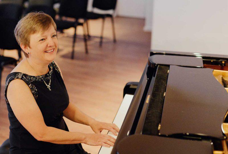 Bettina Pfeiffer (p)